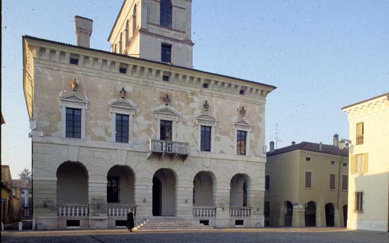Mura a forma di stella: la città ideale di Vespasiano Gonzaga